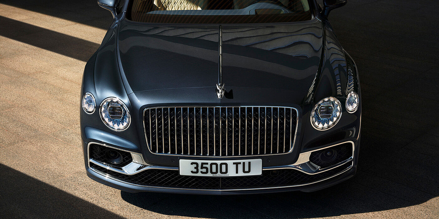 bentley-new-flying-spur-profile-with-meteor-paint--front-bonnet-close-up